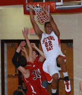 dwuan-anderson-dunking
