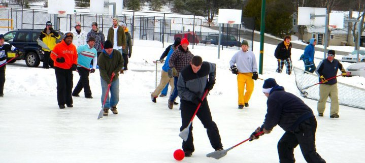 broomball-in-northport